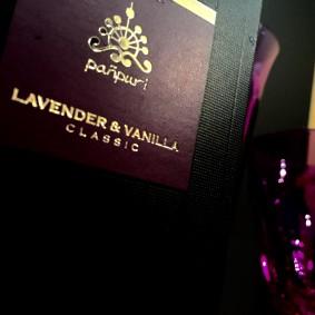 lavendervanira
